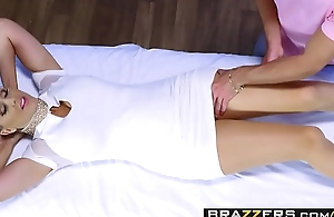 Brazzers - Dirty Masseur - Julia Ann and Lucas Frost -  ForPsychology